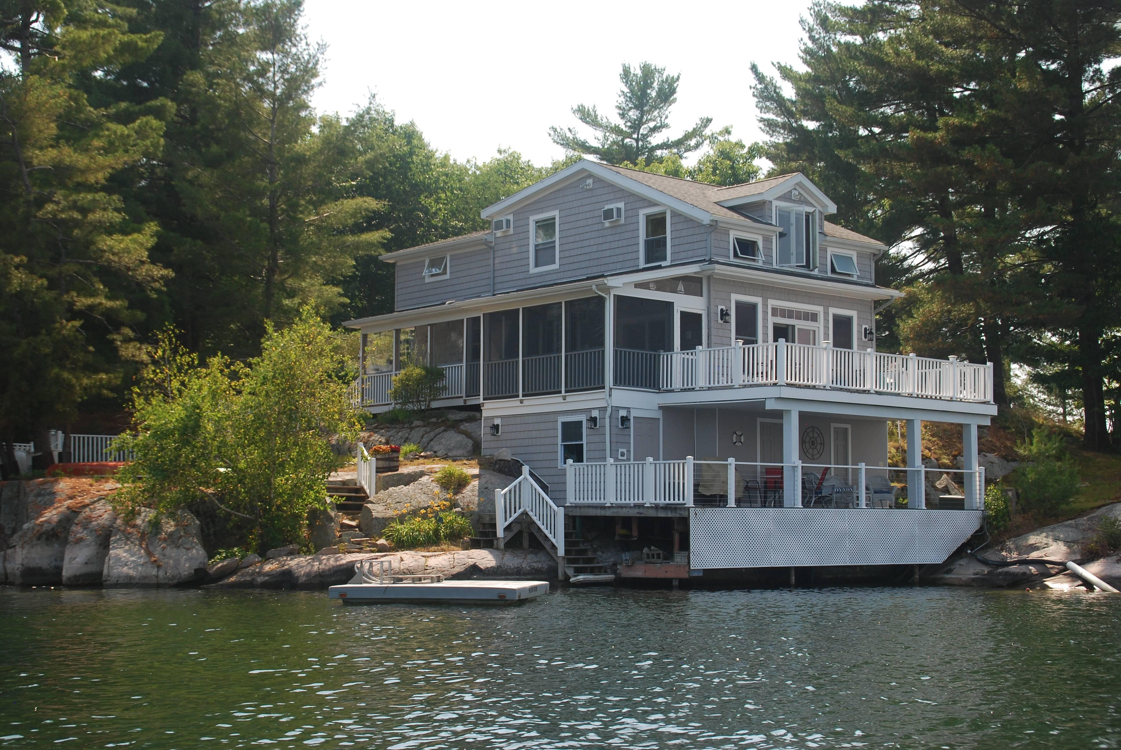 Pine Cove Cottage with swim area platform
