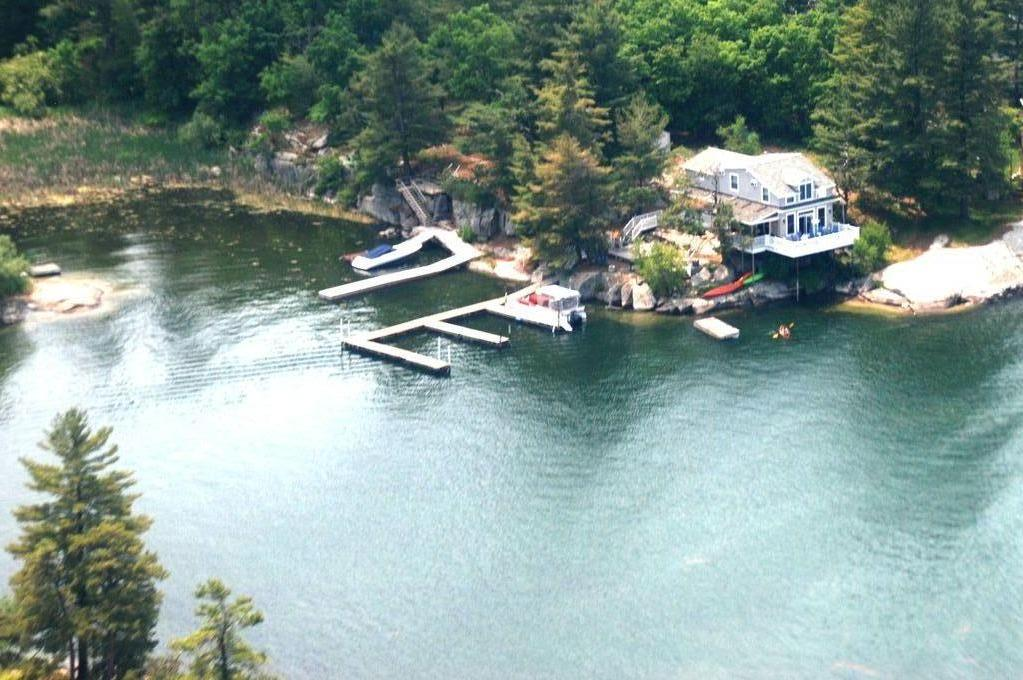 Pine Cove Cottage and docking